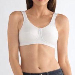 Amoena Kelly wire free mastectomy bra